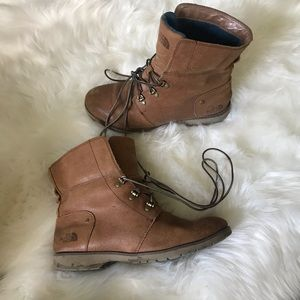 Women's The North Face boots 🍂